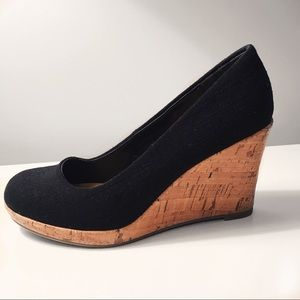 Shoes - Black cork wedges 🖤